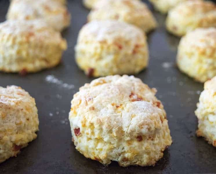 Pimento Cheese Biscuits are a wonderful brunch recipe or breakfast recipe. I love these cheesy biscuits! | The Hungy Waitress