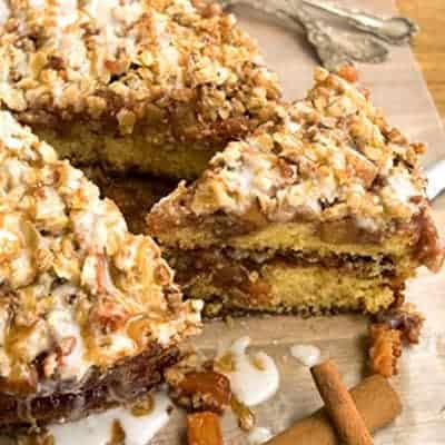 Apple Crunch Cake