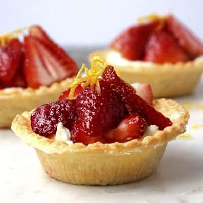 Berry Tarts | The Hungry Waitress