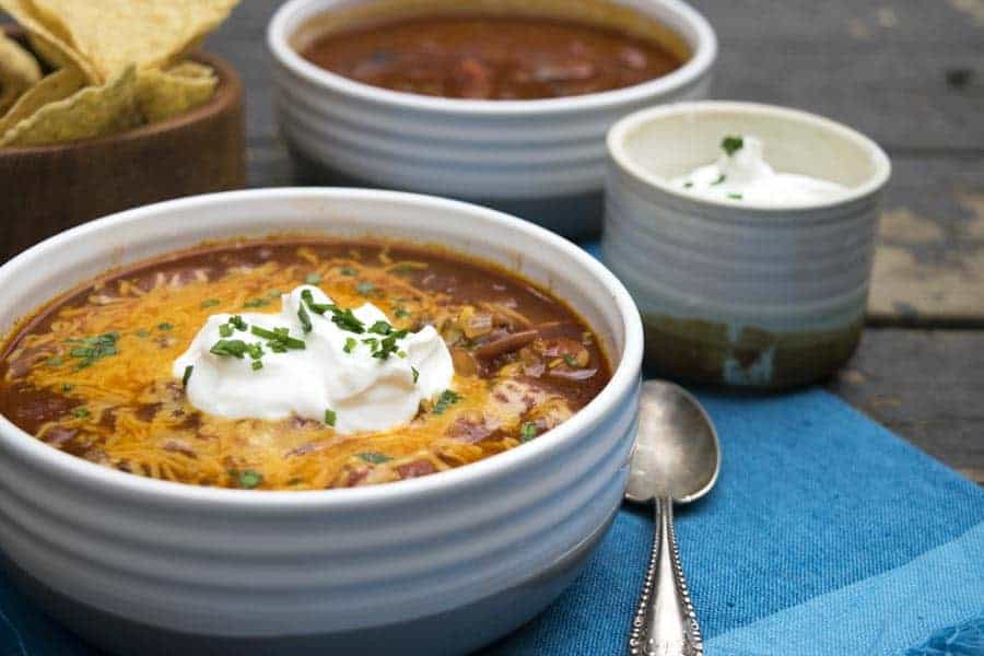 Simple Chili is a delicious weeknight recipe. It only takes about 30 minutes to prepare! | The Hungry Waitress
