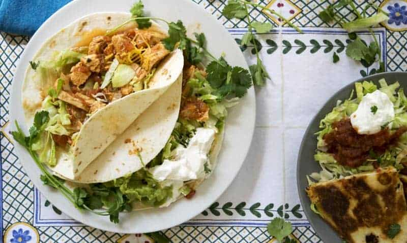 3 Ingredient Chicken Tacos are a super fast dinner recipe. These are great for a weeknight dinner. | The Hungry Waitress