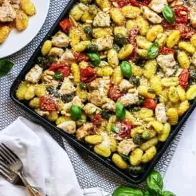 Sheet Pan Chicken and Gnocchi Pesto